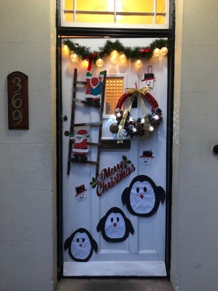 Mlavern-door-decorating-2