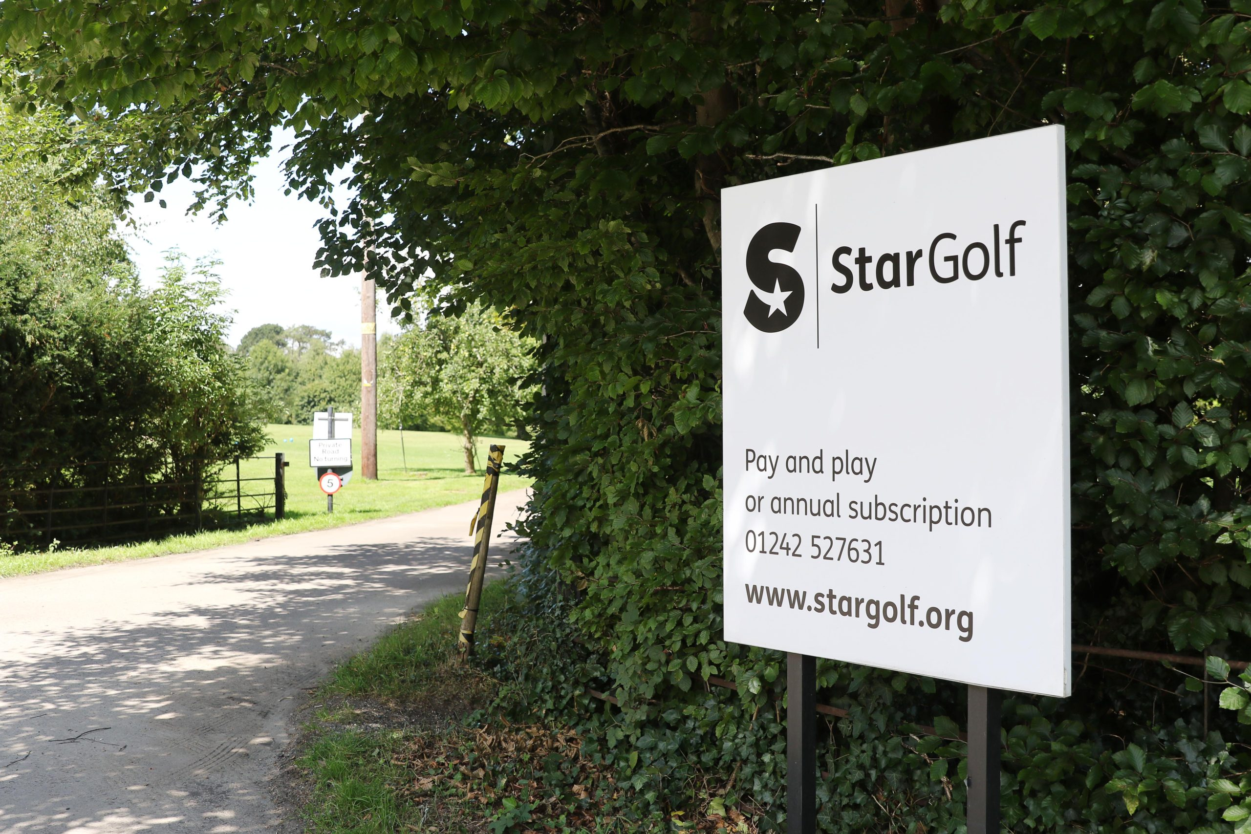 StarGolf sign that is visible from the A436